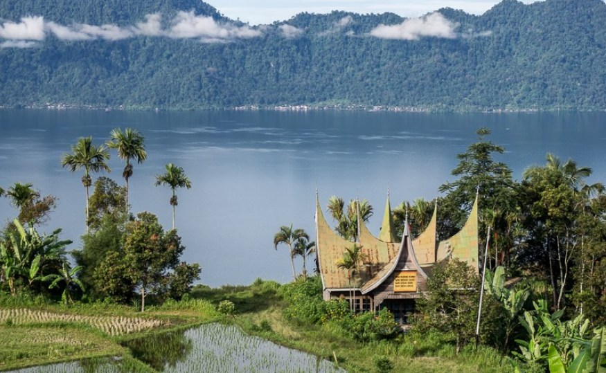 North and West Sumatra Tour Package